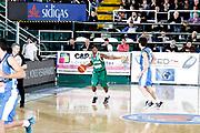 DESCRIZIONE : Avellino Lega A 2015-16 Sidigas Avellino Betaland Capo d'Orlando<br /> GIOCATORE : Marques Green<br /> CATEGORIA : palleggio schema<br /> SQUADRA : Sidigas Avellino <br /> EVENTO : Campionato Lega A 2015-2016 <br /> GARA : Sidigas Avellino Betaland Capo d'Orlando<br /> DATA : 24/04/2016<br /> SPORT : Pallacanestro <br /> AUTORE : Agenzia Ciamillo-Castoria/A. De Lise <br /> Galleria : Lega Basket A 2015-2016 <br /> Fotonotizia : Avellino Lega A 2015-16 Sidigas Avellino Betaland Capo d'Orlando