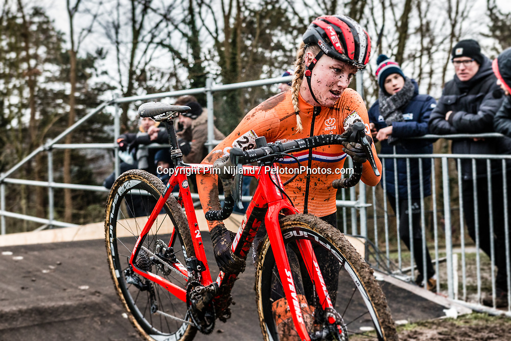 Annemarie WORST of the Netherlands running during last lap of Women Elite race, UCI Cyclo-cross World Championships at Valkenburg, the Netherlands, 3 February 2018. Photo by Pim Nijland / PelotonPhotos.com | All photos usage must carry mandatory copyright credit (Peloton Photos | Pim Nijland)