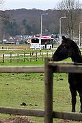 Nederland, Ooij, 6-2-2014 Een passagiersbus van busbedrijf Breng rijdt door de Ooijpolder vanuit Nijmegen naar Millingen langs verschillende dorpen. Foto: Flip Franssen/Hollandse Hoogte