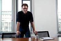 "22 FEB 2012, BERLIN/GERMANY:<br /> Dr. Michael Halbherr, Executive Vice President Location & Commerce Nokia, nach einem Interview, Nokia ""Lindencorso""<br /> IMAGE: 20120222-01-045"