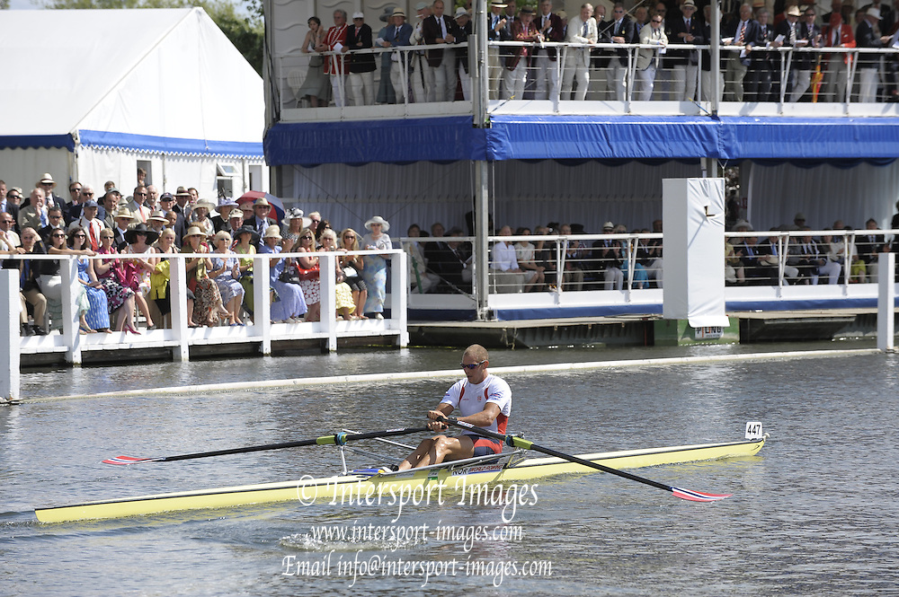 Henley, Great Britain. Berks,  NOR M1X, Olaf TUFTE.  in a heat of the Diamond Challenge  Cup.  2009 Henley Royal Regatta Friday 03/07/2009 at  [Mandatory Credit. Peter Spurrier/Intersport Images] . HRR.