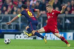 23-04-2013 VOETBAL: UEFA CL SEMI FINAL FC BAYERN MUNCHEN - FC BARCELONA: MUNCHEN<br /> Xavi Hernandez (Barcelona #6) wird von Bastian Schweinsteiger (FCB #31) gestoppt<br /> ***NETHERLANDS ONLY***<br /> ©2013-FotoHoogendoorn.nl