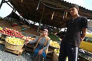Istanbul- Ambulante che vende verdura<br /> &copy; Paolo della Corte