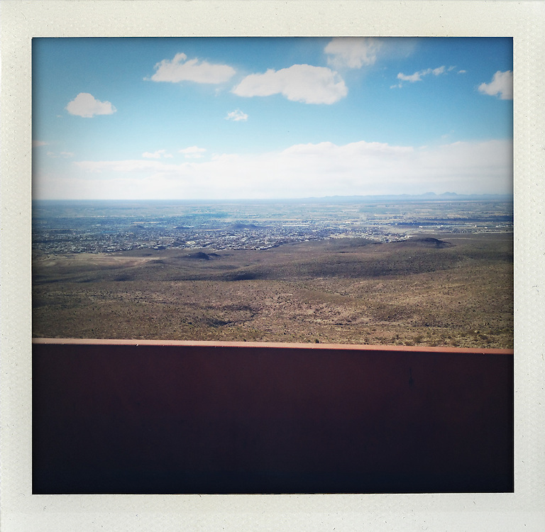 I drove around El Paso on a scenic route today.<br /> <br /> http://www.facebook.com/LaFronteraArtistsAlongTheUsMexicanBorder