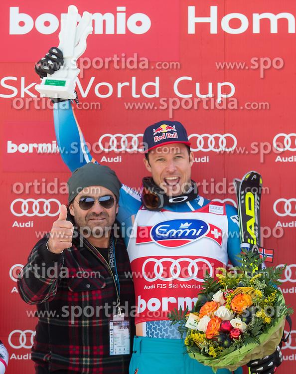 29.12.2013, Stelvio, Bormio, ITA, FIS Ski Weltcup, Bormio, Abfahrt, Herren, Siegerpraesentation, im Bild Alberto Tomba, Aksel Lund Svindal (NOR, 1. Platz) // Alberto Tomba and 1st place Aksel Lund Svindal of Norway Celebrate on Podium after mens downhill of the Bormio FIS Ski Alpine World Cup at the Stelvio Course in Bormio, Italy on 2013/12/29. EXPA Pictures © 2013, PhotoCredit: EXPA/ Johann Groder
