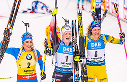 23.02.2020, Suedtirol Arena, Antholz, ITA, IBU Weltmeisterschaften Biathlon, Damen, Massenstart, im Bild v.l. Dorothea Wierer (ITA), Marte Olsbu Roeiseland (NOR), Hanna Oeberg (SWE) // f.l. Dorothea Wierer of Italy Marte Olsbu Roeiseland of Norway and Hanna Oeberg of Sweden during women's mass start of IBU Biathlon World Championships 2020 at the Suedtirol Arena in Antholz, Italy on 2020/02/23. EXPA Pictures © 2020, PhotoCredit: EXPA/ Stefan Adelsberger
