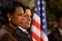 04 FEB 2005, BERLIN/GERMANY:<br /> Condoleezza Rice (L), Aussenministerin USA, und Gerhard Schroeder (R), SPD, Bundeskanzler, waehrend einer Pressekonferenz, Bundeskanzleramt<br /> Condoleezza Rice (L), Secretary of State for Foreign Affairs of the USA, and Gerhard Schroeder (R), Federal Chancellor of Germany, during a press conference, federal chancellory<br /> IMAGE: 20050204-01-007<br /> KEYWORDS: Gerhard Schröder, Vereinigte Staaten von Amerika, Flagge, Fahne, Stars andd Stripes