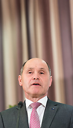 10.04.2016, Politische Akademie, Wien, AUT, ÖVP, Pressekonferenz nach Bundesparteileitungssitzumg und Bekanntgabe der Personalrochade im Innenministerium. im Bild Finanzlandesrat Niederösterreich Wolfgang Sobotka // during press conferenc of the austrian people' s party in Vienna, Austria on 2016/04/10. EXPA Pictures © 2016, PhotoCredit: EXPA/ Michael Gruber