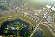 Nederland, Noord-Brabant, Werkendam, 28-10-2014; Fort Steurgat, onderdeel van de Nieuwe Hollandse Waterlinie op de grens met de Biesbosch. In de achtergod grondwerkzaamheden voor de ontpoldering van de Noordwaard (Ruimte voor de Rivier).<br /> Historical fortress and depolderisation works.<br /> luchtfoto (toeslag op standard tarieven); aerial photo (additional fee required); <br /> copyright foto/photo Siebe Swar