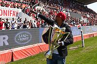 Delon Armitage avec le trophee Champions Cup - 09.05.2015 - Toulon / Castres - 24eme journee de Top 14 <br /> Photo : Alexandre Dimou / Icon Sport