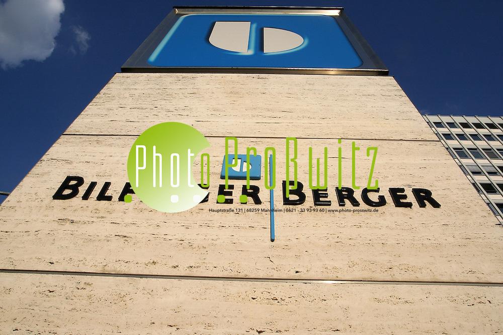 Mannheim. 26.06.2012. Bilfinger Berger. Verwaltung des Konzerns in Mannheim<br /> <br /> Bild: Markus Proflwitz 27JUN12 / masterpress /