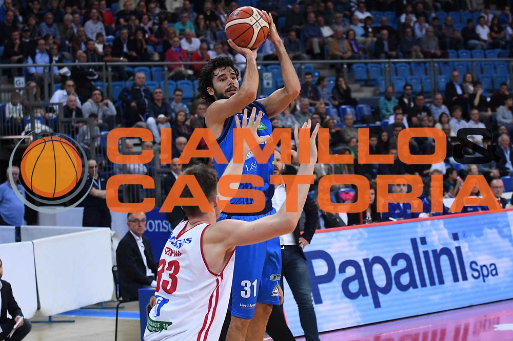 Michele Vitali<br /> VL Pesaro - Germani Leonessa Basket Brescia<br /> Lega Basket Serie A 2017/2018<br /> Pesaro, 01/10/2017<br /> Foto M.Ceretti / Ciamillo - Castoria