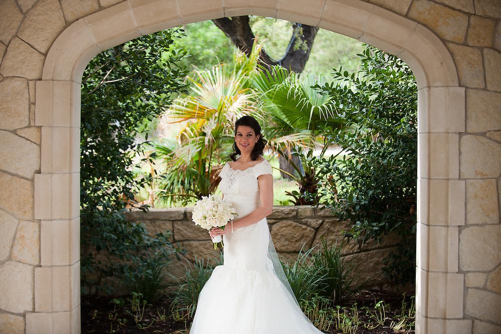10/9/11 3:56:53 PM -- Zarines Negron and Abelardo Mendez III wedding Sunday, October 9, 2011. Photo©Mark Sobhani Photography