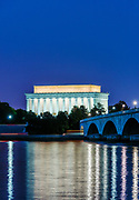 Lincoln Memorial and the Arlington Memorial Bridge at night, Washington DC, USA.