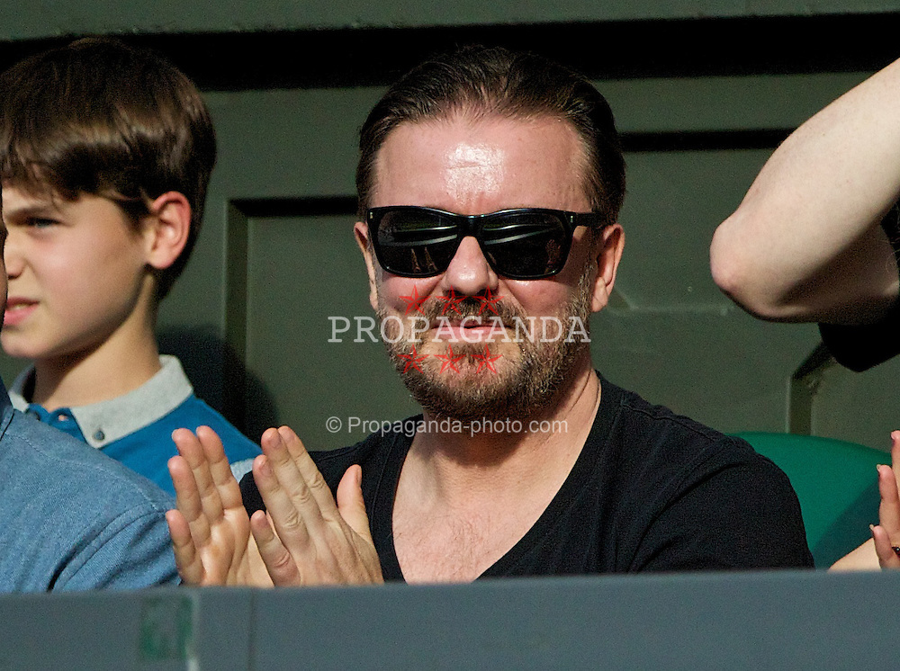 LONDON, ENGLAND - Friday, June 27, 2014: Stand-up comedian Ricky Gervais during the Gentlemen's Singles 3rd Round match on day five of the Wimbledon Lawn Tennis Championships at the All England Lawn Tennis and Croquet Club. (Pic by David Rawcliffe/Propaganda)