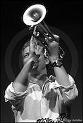 Berlin, DEU, 11.09.2002: Jazz Music , Nils Petter Molvaer, Musiker, Trompete, Electronics, Light, Music, Jazz, Traenenpalast, Berlin, Germany, 11.09.2002, Konzert, Der norwegische Trompeter, Komponist und Produzent verbindet stilistische Elemente Jazz, Ambient, House, Electronics und Breakbeats , seelenvoller und kreativer Einsatz neuer musikalischer Technologien,  ( Keywords: Musiker ; Musician ; Musik ; Music ; Jazz ; Jazz ; Kultur ; Culture ) ,  [ Photo-copyright: Detlev Schilke, Postfach 350802, 10217 Berlin, Germany, Mobile: +49 170 3110119, photo@detschilke.de, www.detschilke.de - Jegliche Nutzung nur gegen Honorar nach MFM, Urhebernachweis nach Par. 13 UrhG und Belegexemplare. Only editorial use, advertising after agreement! Eventuell notwendige Einholung von Rechten Dritter wird nicht zugesichert, falls nicht anders vermerkt. No Model Release! No Property Release! AGB/TERMS: http://www.detschilke.de/terms.html ]