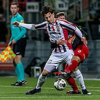 ROTTERDAM - Excelsior - Willem II , Voetbal , Eredivisie , Seizoen 2016/2017 , Stadion Woudestein , 25-02-2017 , Willem II speler Thom Haye (l) in duel met Excelsior speler Bas Kuipers (r)