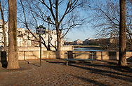 A view of the Seine and the Pont d'Arcole from the Place Louis Aragon on the Il St Louis, Paris, France, Europe