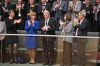 12 FEB 2017, BERLIN/GERMANY:<br /> Joachim Gauck, scheidender Bundespraesident, erh&auml;lt Applaus, links: Elke Buedenbender, Ehefrau von Frank-Walter Steinmeier, und Daniela Schadt, Lebensgefaehrtin von Joachim Gauck, 16. Bundesversammlung zur Wahl des Bundespraesidenten, Reichstagsgebaeude, Deutscher Bundestag<br /> IMAGE: 20170212-02-053<br /> KEYWORDS: Elke B&uuml;denbender, klatschen, applaudieren, Bundespraesidentenwahl, Bundespr&auml;sidetenwahl