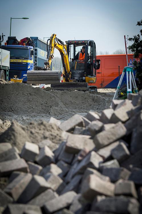 Foto: Gerrit de Heus. Vlaardingen. 11-04-2016. Werkzaamheden Pijnacker Infra.