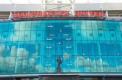 MANCHESTER, ENGLAND - Sunday, March 23, 2008: The statue of Sir Matt Busby outside the main entrance to Manchester United's Old Trafford stadium. (Photo by David Rawcliffe/Propaganda)