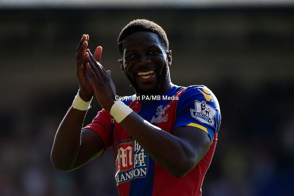Crystal Palace's Bakary Sako acknowledges the crowd after the Barclays Premier League match at Selhurst Park, London.
