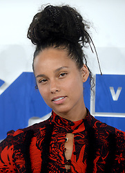 Alicia Keys arriving at the MTV Video Music Awards at Madison Square Garden in New York City, NY, USA, on August 28, 2016. Photo by ABACAPRESS.COM  | 560634_042 New York City Etats-Unis United States