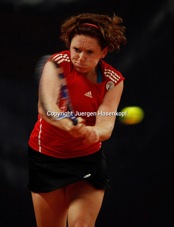 ITF Bueschl  Open 2010, ITF Women's Circuits Damen Hallen Tennis Turnier in Ismaning,.Naomi Cavaday (GBR),action,