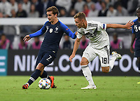 FUSSBALL UEFA Nations League in Muenchen Deutschland - Frankreich       06.09.2018 Antoine Griezmann (li, Frankreich) gegen Joshua Kimmich (re, Deutschland) --- DFB regulations prohibit any use of photographs as image sequences and/or quasi-video. ---
