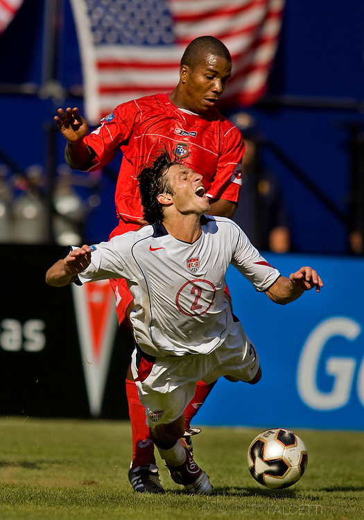 CONCACAF Copa de Oro, United States vs Panama at Giants Stadium, East Rutherford, NJ. (Photo by Robert Falcetti). .