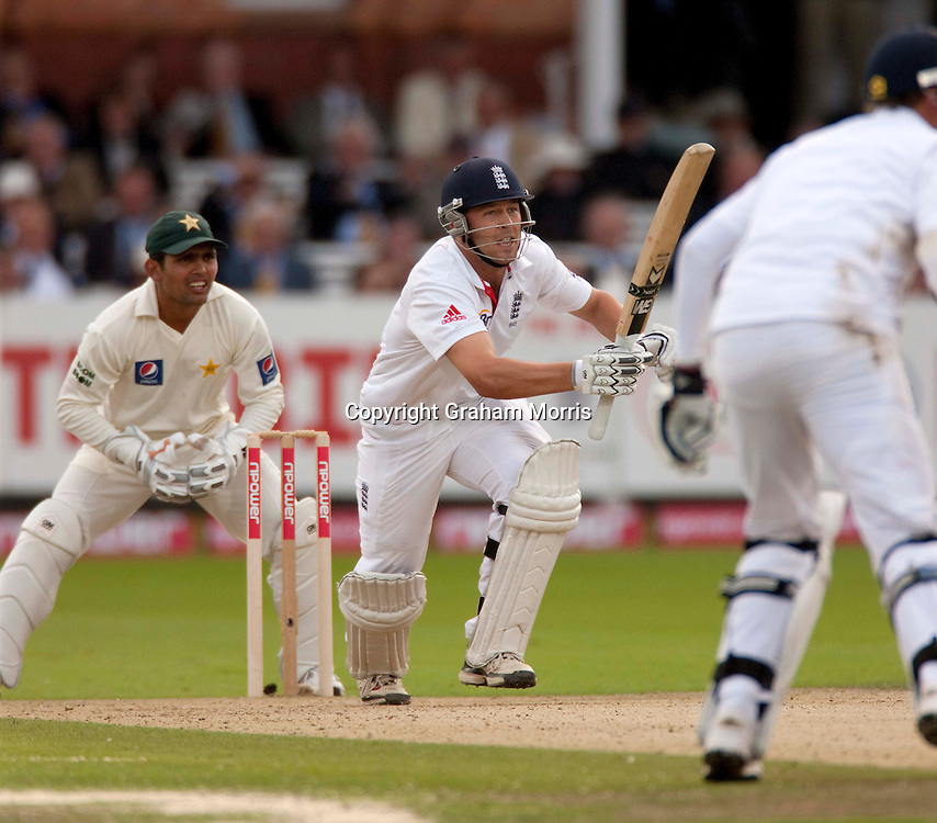 Jonathan Trott reaches his century during the final npower Test Match between England and Pakistan at Lord's.  Photo: Graham Morris (Tel: +44(0)20 8969 4192 Email: sales@cricketpix.com) 27/08/10