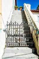 Escadaria de casa colonial de século 19 no centro histórico de São José, onde funciona a Biblioteca Municipal. São José, Santa Catarina, Brasil. / Stairway of a colonial architecture house from 19th century, in the historic center of Sao Jose. Sao Jose, Santa Catarina, Brazil.