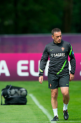 06.06.2012, Sportzentrum Remes, Opalenica, POL, UEFA EURO 2012, Portugal, Training, im Bild TRENER COACH PAULO BENTO // during EURO 2012 Trainingssession of Portugal Nationalteam, at the Sportcenter Remes, Opalenica, Poland on 2012/06/06. EXPA Pictures © 2012, PhotoCredit: EXPA/ Newspix/ Jakub Kaczmarczyk..***** ATTENTION - for AUT, SLO, CRO, SRB, SUI and SWE only *****