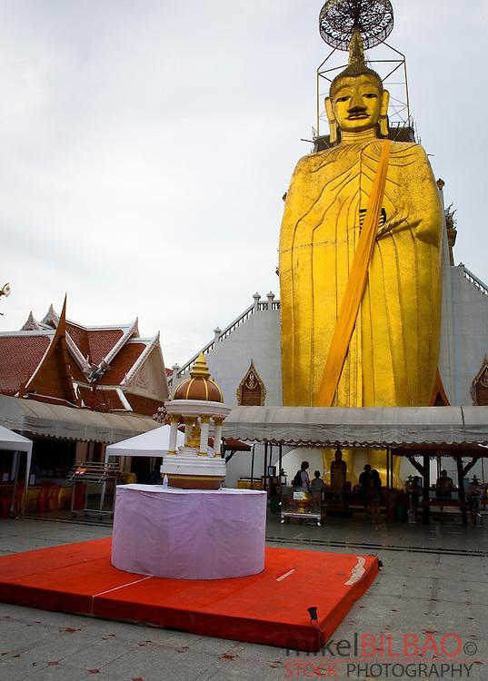 The standing Buddha in Wat Intharawihan. Bangkok, Thailand.