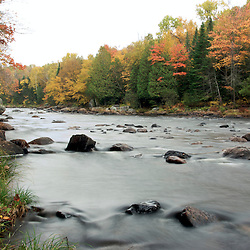 Devil's river (Riviere La Diable) Mont-Tremblant, Qc shot with slow shutter speed for water effect. Photographe: Marc Lapointe, Sainte-Thérèse, Blainville, Québec