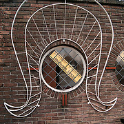 Opening expositie Bonte pracht in klederdracht Huizer Klederdrachtmuseum Huizen, Huizer kap met aankondiging