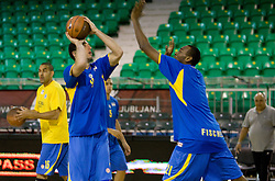 Yaniv Green vs D'or Fischer of Maccabi at warming up at Euroleague basketball match in 6th Round of Group C between KK Union Olimpija and Maccabi Tel Aviv, on December 3, 2009, in Arena Tivoli, Ljubljana, Slovenia. (Photo by Vid Ponikvar / Sportida)
