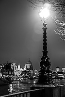 Europa - Londres, UK - Queen´s Walk, as margens do Tamisa - foto: Daniel Deák