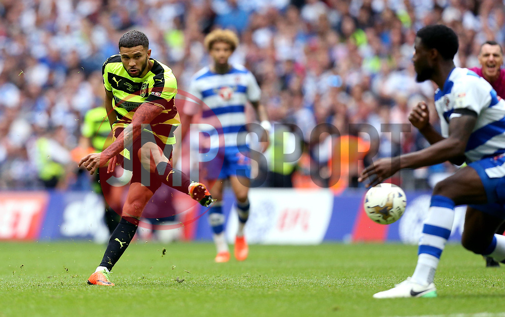 Nahki Wells of Huddersfield Town shoots at goal - Mandatory by-line: Robbie Stephenson/JMP - 29/05/2017 - FOOTBALL - Wembley Stadium - London, England - Huddersfield Town v Reading - Sky Bet Championship Play-off Final