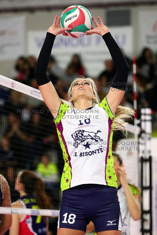 18-01-2018 ITA: Savino Del Benne Scandicci - Bisonte Firenze, Scandicci<br /> Laura Dijkema #18<br /> <br /> *** Netherlands use only ***
