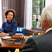 """NLD/Driebergen/20100608 - Opname Vara dramserie """"De 7 Dagen van den Uyl"""", Joop Keesmaat als Joop den Uyl en Roos Ouwehand als Beatrix"""