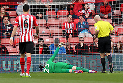 Southampton's Fraser Forster goes down injured - Photo mandatory by-line: Robbie Stephenson/JMP - Mobile: 07966 386802 - 21/03/2015 - SPORT - Football - Southampton - ST Marys Stadium - Southampton v Burnley - Barclays Premier League