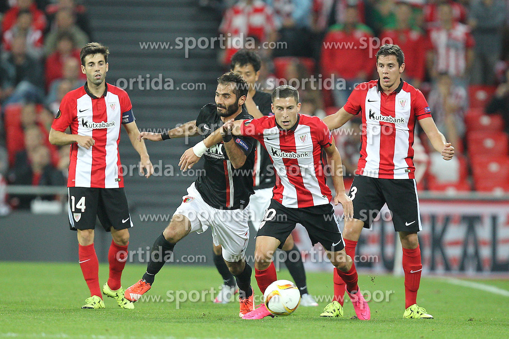 17.09.2015, Estadio San Mames, Bilbao, ESP, UEFA EL, Athletic Club vs FC Augsburg, Gruppe L, im Bild l-r: im Zweikampf, Aktion, mit Halil Altintop #7 (FC Augsburg) und Oscar de Marcos #10 (Athletic Bilbao) // during UEFA Europa League group L match between Athletic Club Bilbao and FC Augsburg at the Estadio San Mames in Bilbao, Spain on 2015/09/17. EXPA Pictures © 2015, PhotoCredit: EXPA/ Eibner-Pressefoto/ Kolbert<br /> <br /> *****ATTENTION - OUT of GER*****