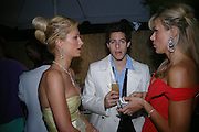 Paris Hilton , Paris Latsis and Diana Jenkins. The Serpentine Summer party co-hosted by Jimmy Choo. The Serpentine Gallery. 30 June 2005. ONE TIME USE ONLY - DO NOT ARCHIVE  © Copyright Photograph by Dafydd Jones 66 Stockwell Park Rd. London SW9 0DA Tel 020 7733 0108 www.dafjones.com