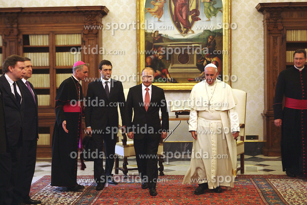 Pope Francis meets with the President of the Russian Federation Vladimir Putin, Vatican City, Rome Italy, June 10, 2015, Credit &copy; Riccardo Squillantini/Sintesi. EXPA Pictures &copy; 2015, PhotoCredit: EXPA/ Photoshot/ Riccardo Squillantini<br /> <br /> *****ATTENTION - for AUT, SLO, CRO, SRB, BIH, MAZ only*****