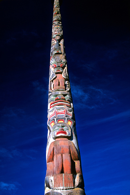 100 foot high totem pole, Vancouver Maritime Museum, Kitsilano Point, Vancouver, British Columbia, Canada