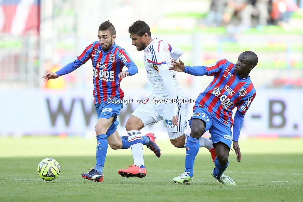 Nicolas BENEZET / Nabil FEKIR / Ngolo KANTE - 09.05.2015 -  Caen / Lyon  - 36eme journee de Ligue 1<br /> Photo : Vincent Michel / Icon Sport