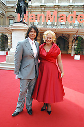 LAURENCE & JACKIE LLEWELLYN-BOWEN at the Royal Academy of Art Summer Exhibition Preview Party on 4th June 2008.<br />