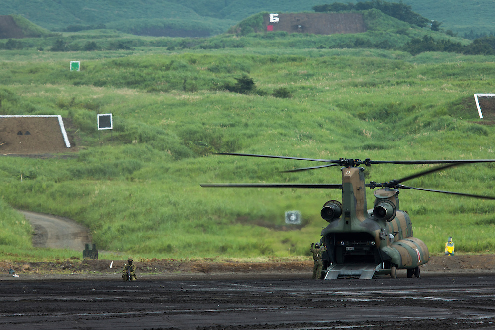 SHIZUOKA, JAPAN - AUGUST 23 : Japan's Self Defense Forces (SDF) held live-fire drills as part of an annual exercise near Mount Fuji on Sunday, August 23, 2015, as Tokyo seeks to expand the role of the military in the country.<br /> <br /> Photo: Richard Atrero de Guzman