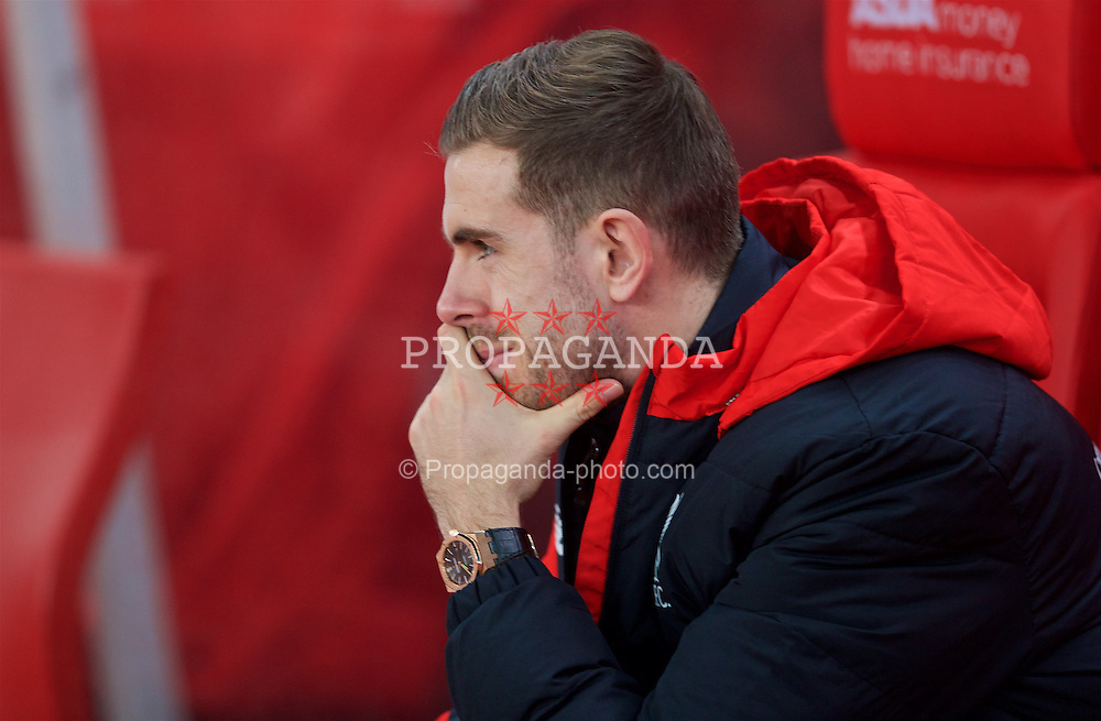 STOKE-ON-TRENT, ENGLAND - Tuesday, January 5, 2016: Liverpool's injured captain Jordan Henderson before the Football League Cup Semi-Final 1st Leg match against Stoke City at the Britannia Stadium. (Pic by David Rawcliffe/Propaganda)
